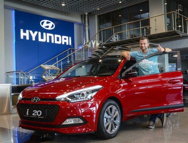 Актьорът Ненчо Балабанов получи чисто нов Hyundai i20