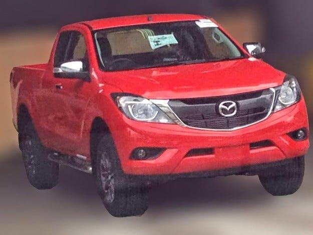 Издебнаха обновения пикап Mazda BT-50 без камуфлаж