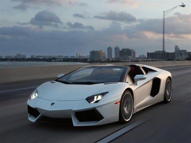 Lamborghini разработва свръхмощен роудстър Aventador