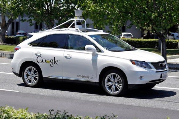 Автомобилите на Google вече се движат из града