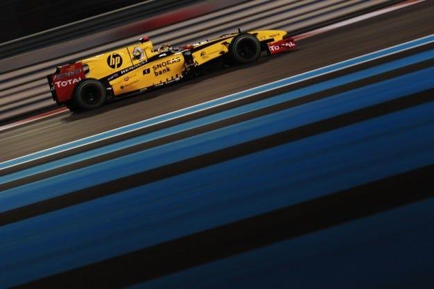 Екълстоун ще плаща на Renault