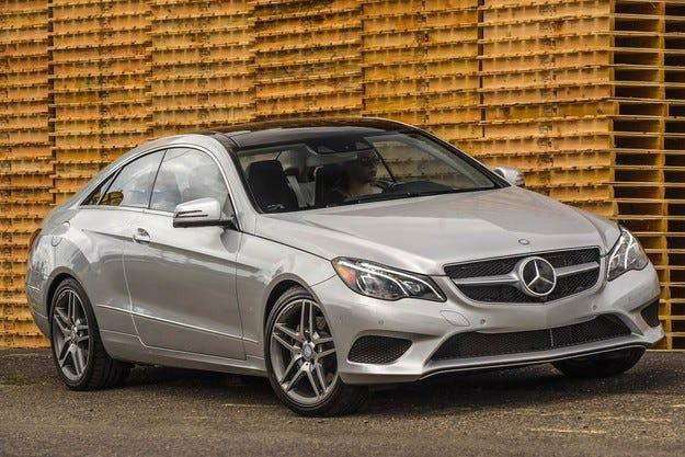Новият Mercedes-Benz E-класа се отваря със смартфон