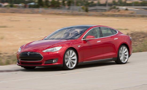 Tesla пуска конкурент на BMW Серия 3 през 2016
