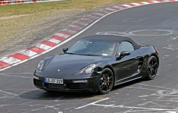Обновеният Porsche Boxster ще получи мотор с 370 к.с.