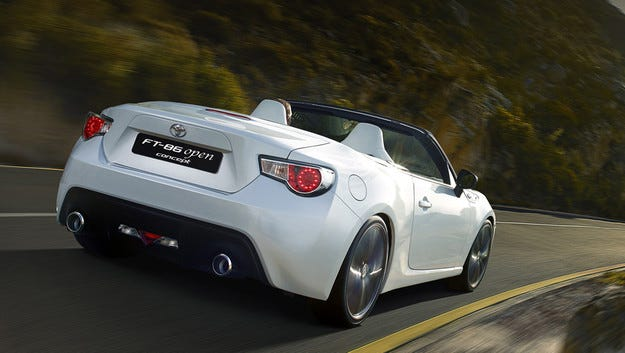 Toyota подготвя спортен модел на базата на Mazda MX-5