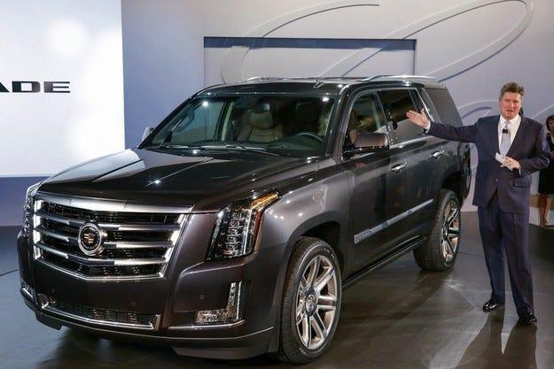 Кросоувърът Cadillac Escalade ще получи спортна версия