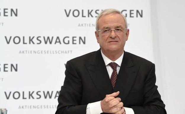 VW отрече слуховете за уволнението на шефа на групата