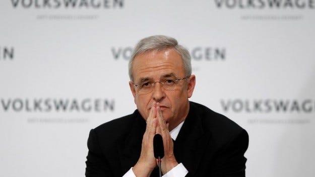 Шефът на Volkswagen Мартин Винтеркорн подаде оставка