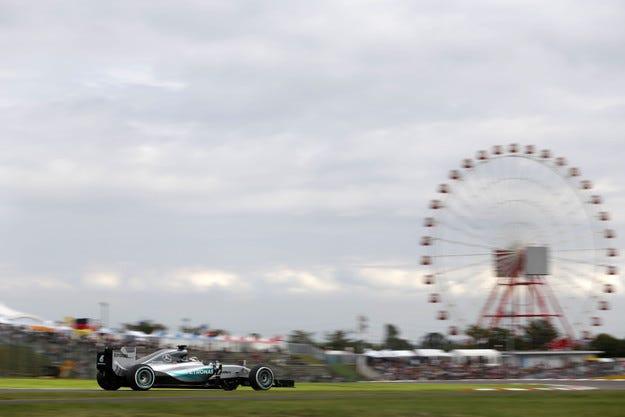 Гран при на Япония: Хамилтън отново отказа Розберг