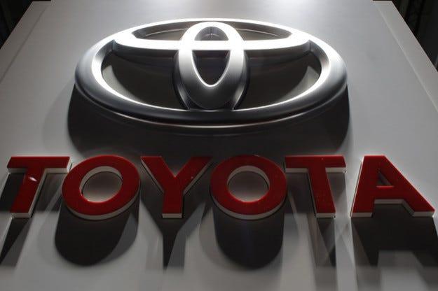 Toyota върна лидерската си позиция по продажби в света