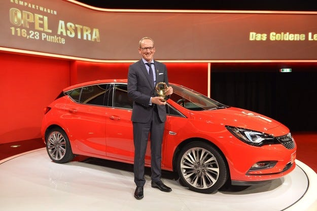 Новият Opel Astra спечели приза Златен волан 2015