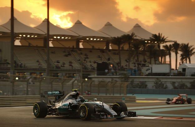 Гран при на Абу Даби: Серията на Розберг продължава