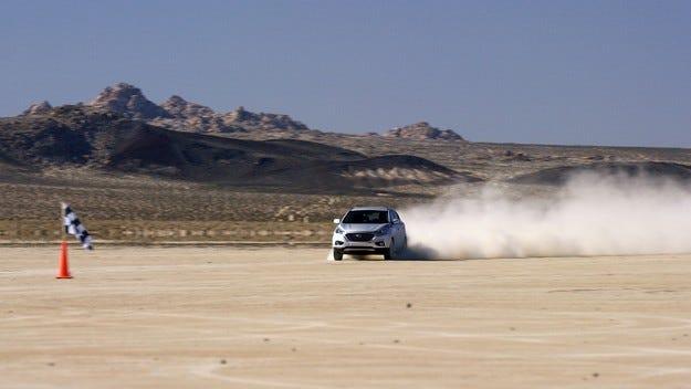 Tucson Fuel Cell на Hyundai Motor поставя рекорд за скорост