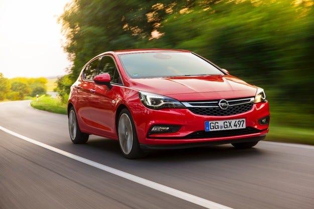 Opel Astra е сред седемте кандидати за №1 в Европа