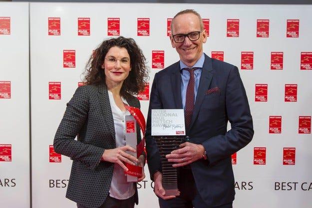 Сп. auto motor und sport присъди две награди на Opel