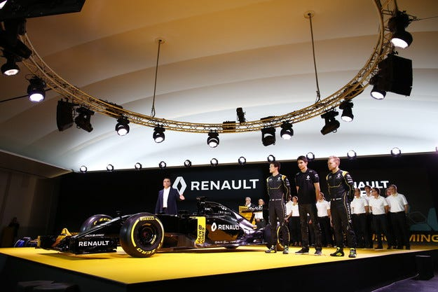 Renault R.S.16: Почваме на чисто!