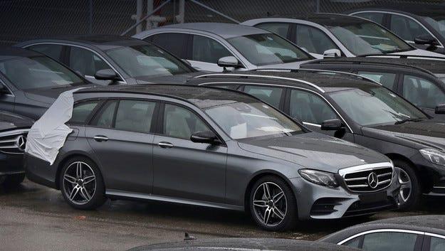 Фотошпиони заснеха новото комби Mercedes E-класа