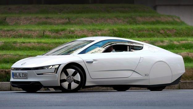 Хибридният Volkswagen XL3 ще играе на един терен с Prius