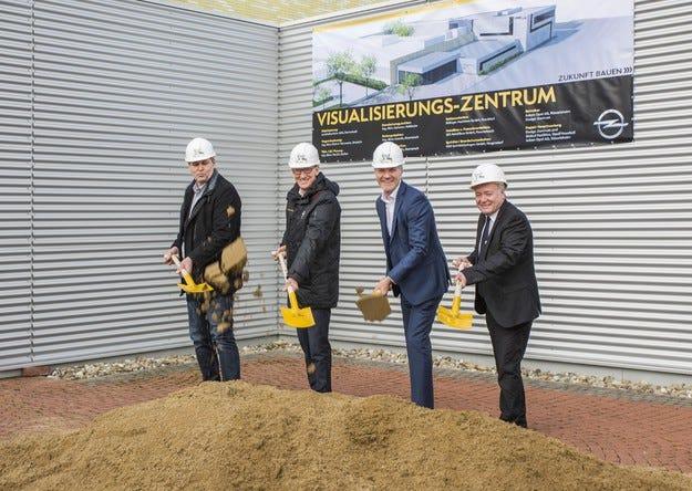 Високи визуални технологии за Центъра по дизайн на Opel