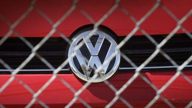 Концернът Volkswagen затяга решението на дизелгейт