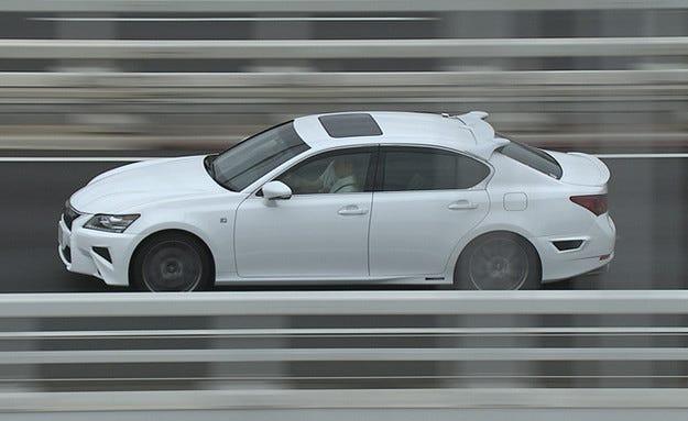 Microsoft помага на Toyota в развитието на кола на бъдещето
