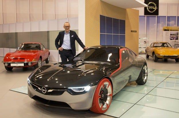 Шефът на Opel представи Opel GT на салона в Есен