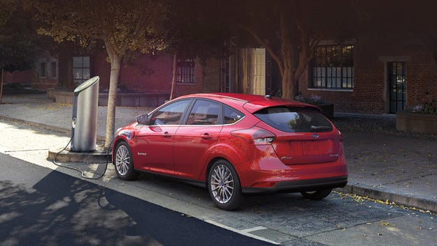 Компанията Ford ще сглобява модела E в Мексико