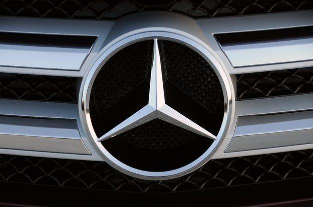 Продажбите на Mercedes скочиха два пъти по-бързо от BMW