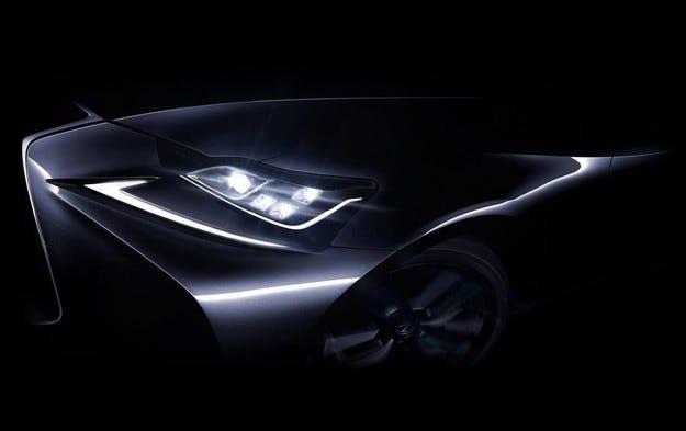 Компанията Lexus ще обнови най-малкия си седан