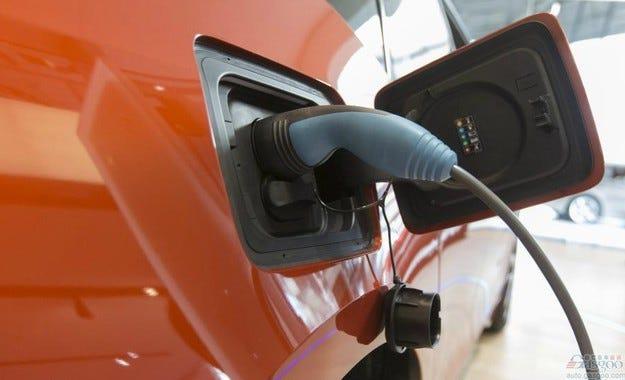 Германия въвежда субсидия от 4000 евро при покупка на EV