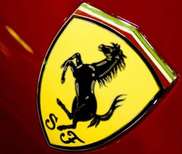 Ferrari въвежда повсеместно керамични спирачни дискове