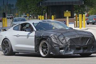 В гамата на Ford Mustang Shelby ще се появи версия GT500