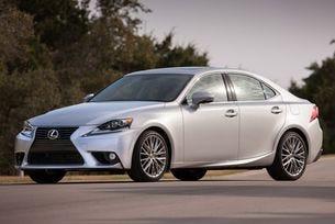 Lexus IS се превръща в седемцифрен успех