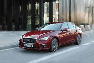 Infiniti Q50 с награда на Wards 10 Best Uuser Experiences