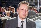 """Илън Мъск ще представи """"неочакван"""" продукт на Tesla"""