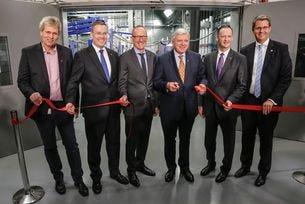 Opel откри Глобална лаборатория за задвижващи системи