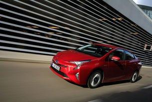 Обявяват сервизна кампания за Toyota Prius 4