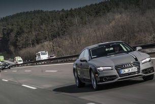 """Инженери на Audi създават """"цифрова магистрала"""""""