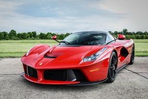 От 2019 всички автомобили Ferrari стават хибридни