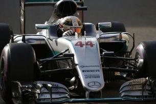 Гран при на Абу Даби: Хамилтън нанесе първия удар