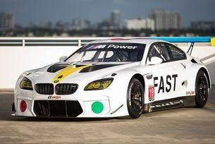 BMW представи арт автомобил на Джон Балдесари