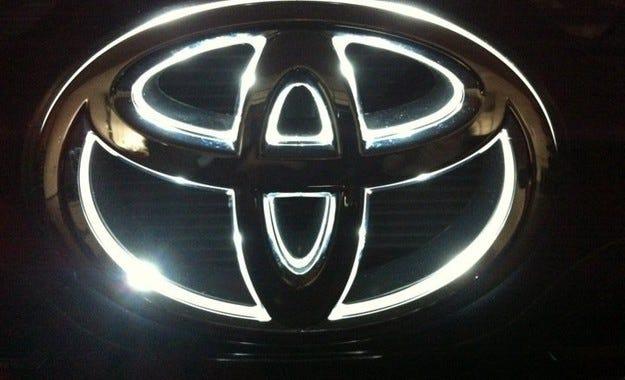 Toyota подготвя 17 нови двигателя и 10 нови трансмисии