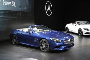 Новият Mercedes-Benz SL може да стане четириместен