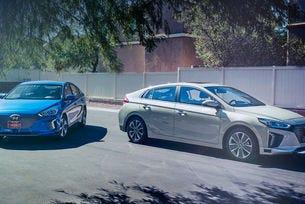 Автономният Hyundai Ioniq дефилира на шоуто в Лас Вегас