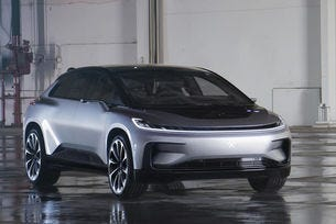 Конкурентът на Tesla не успя да паркира самостоятелно