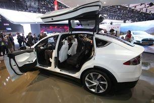 Tesla се размина с годишната програма 2016