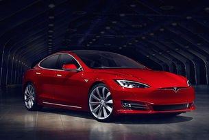 Tesla Model S става по-бърза с новия софтуер
