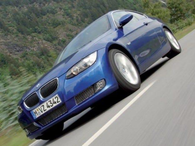Трета серия и Mini в основата на високите продажби за BMW