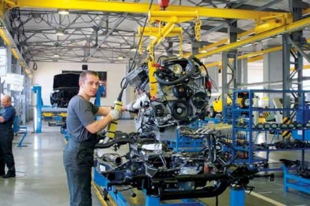 АвтоВАЗ изкупува заводи на конкурентите
