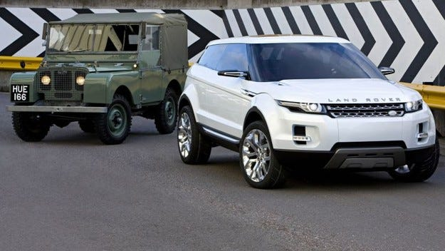 Land Rover чества 60 години